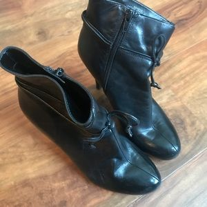 NINE WEST Boots. Size 6